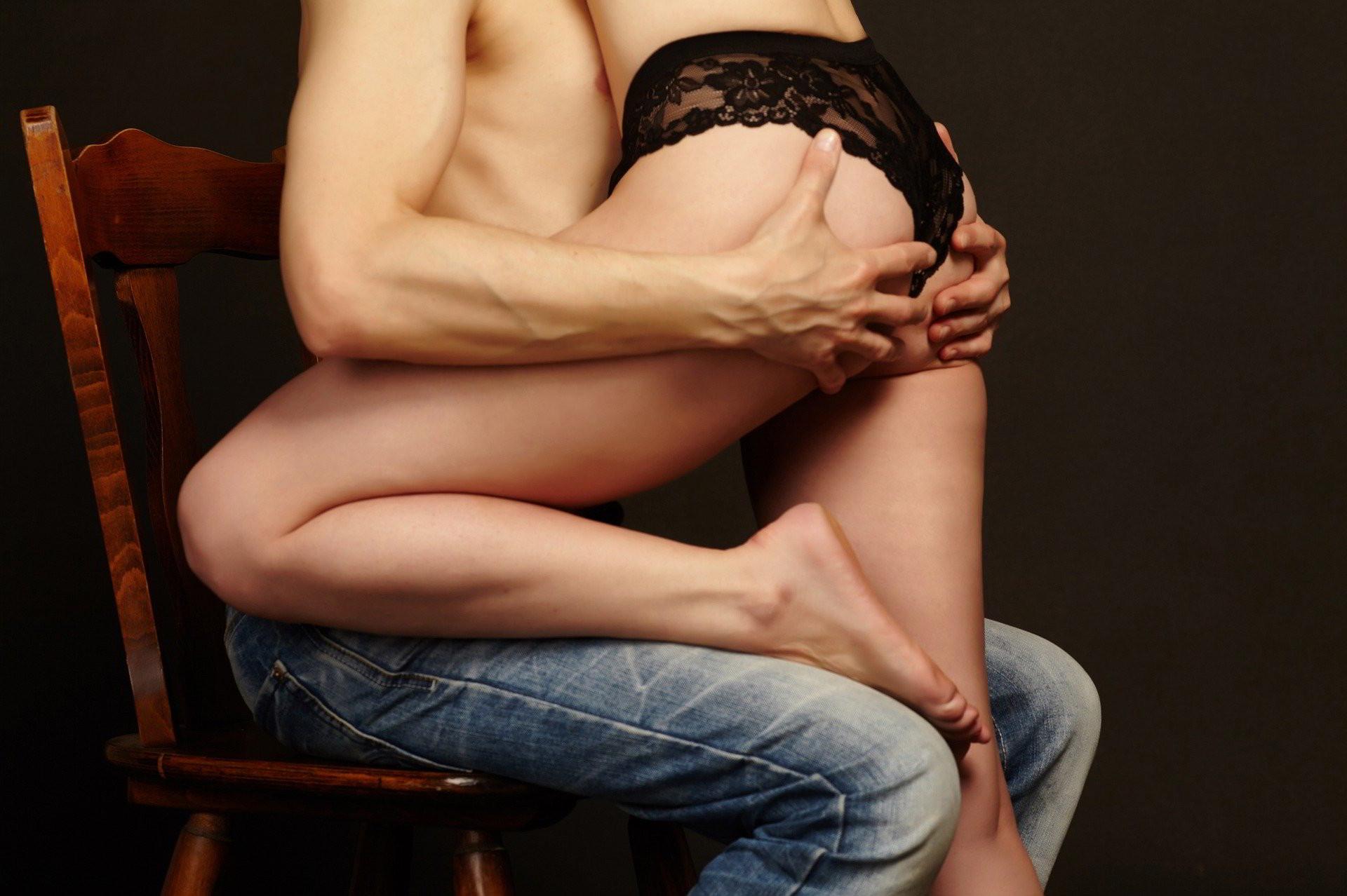 Pourquoi votre homme devrait parfois porter une cage de chasteté ?